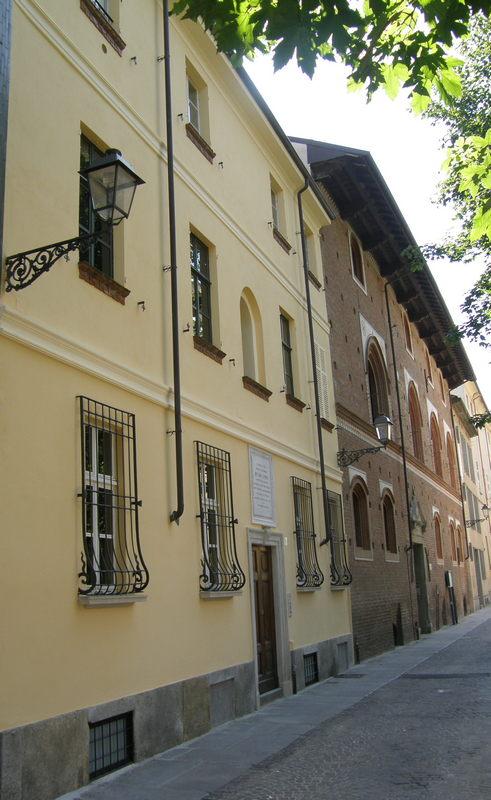 In primo piano Palazzo Canina